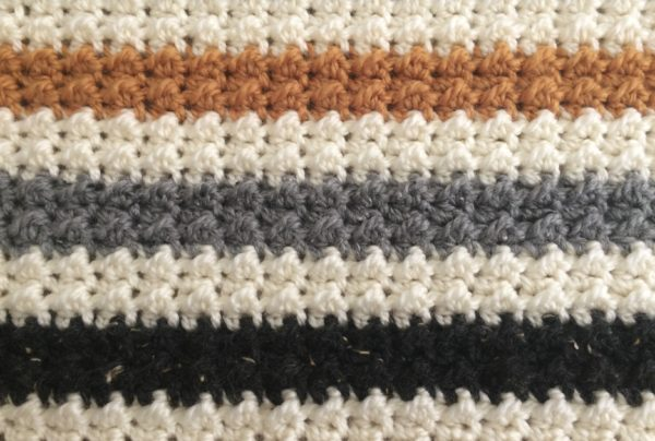 crochet striped even moss stitch blanket