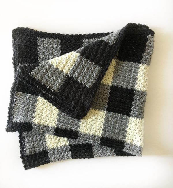 crochet black white gingham blanket