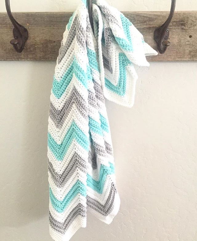 Single Crochet Chevron Blanket In Mint Gray And White