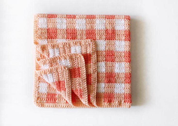 Crochet Cluster Stitch Gingham Blanket